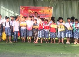 Ngày 05/02/2021 Trường TH&THCS Thạnh Đông tổ chức nuôi heo đất giúp bạn vui xuân
